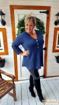 Fashion by NONO - Nana gombokkal díszített melange kék felső